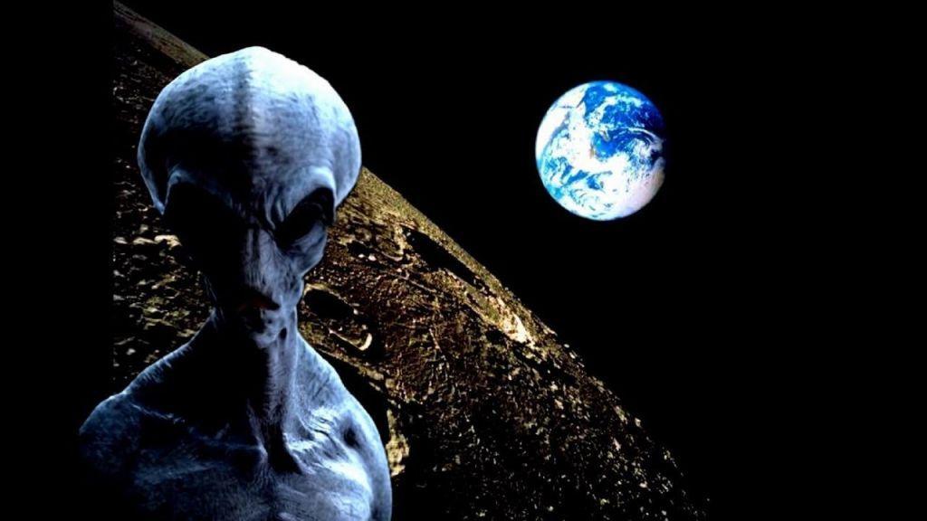 На Луне замечен «инопланетянин-турист» – уфологи