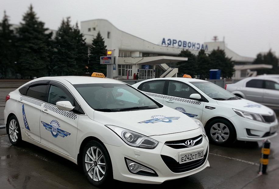 Ростовские власти умышленно не контролируют нелегальных перевозчиков, считают таксисты