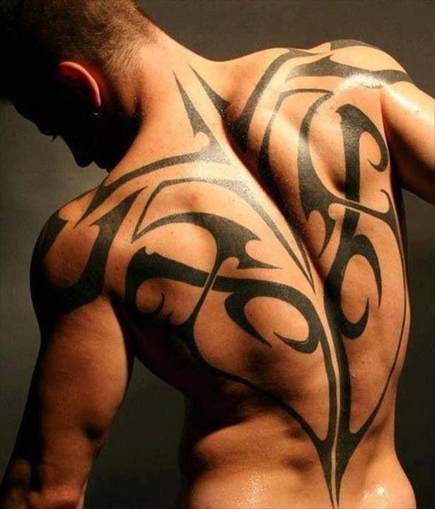 В США вдова сохранила кожу умершего супруга, который был известным тату-мастером