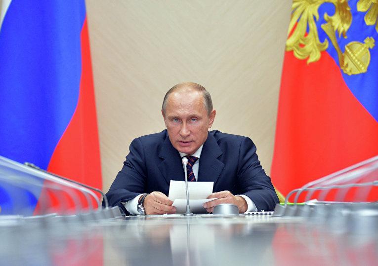Путин провел ночную встречу в Кремле