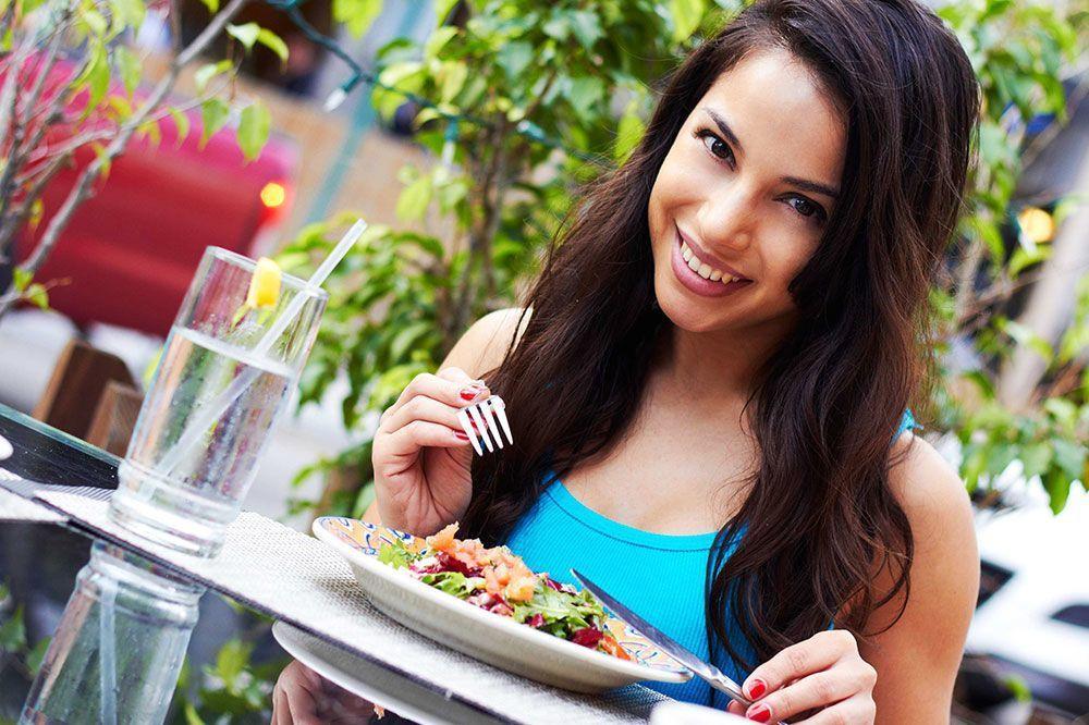 Похудение без диет за счет трех простых принципов: врачи раскрыли, как похудеть без жестких ограничений