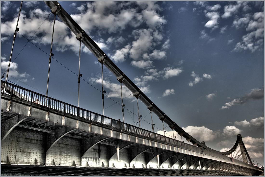 Эксперт раскрыл, как отразится на ценах начало движения грузовиков по Крымскому мосту