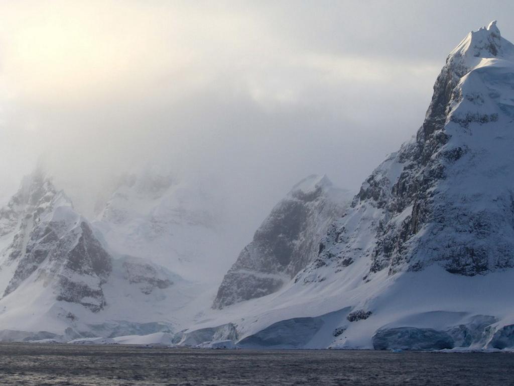 В Антарктиде обнаружен корабль инопланетян, попавший в ловушку