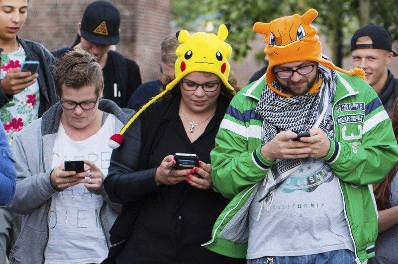 В Ростове Сбербанк бесплатно застрахует игроков в Pokemon Go и установит покестопы с приманками для покемонов