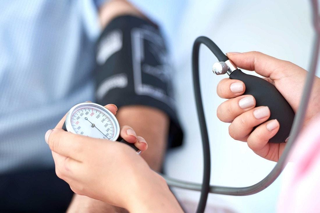 Медики объяснили, в чем кроется опасность пониженного давления