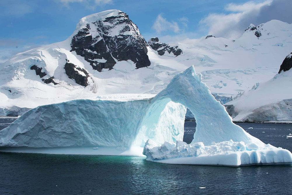Инопланетяне не угроза: в Антарктиде выявлены катастрофические процессы