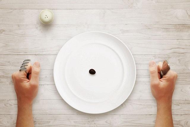 Почему нельзя ложиться спать голодным, рассказали диетологи