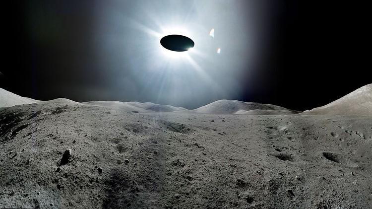 Лунная база с внеземными существами обнаружена на снимках НАСА