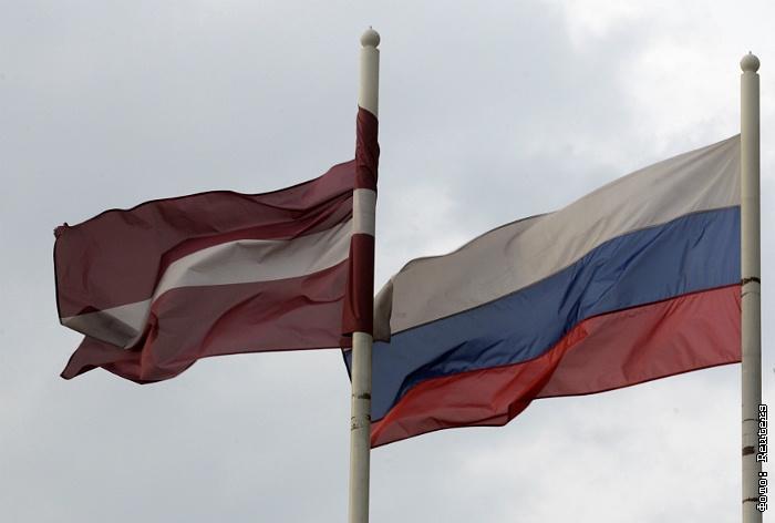 Посольство России направило в МИД Латвии ноту после сноса памятника советским морякам