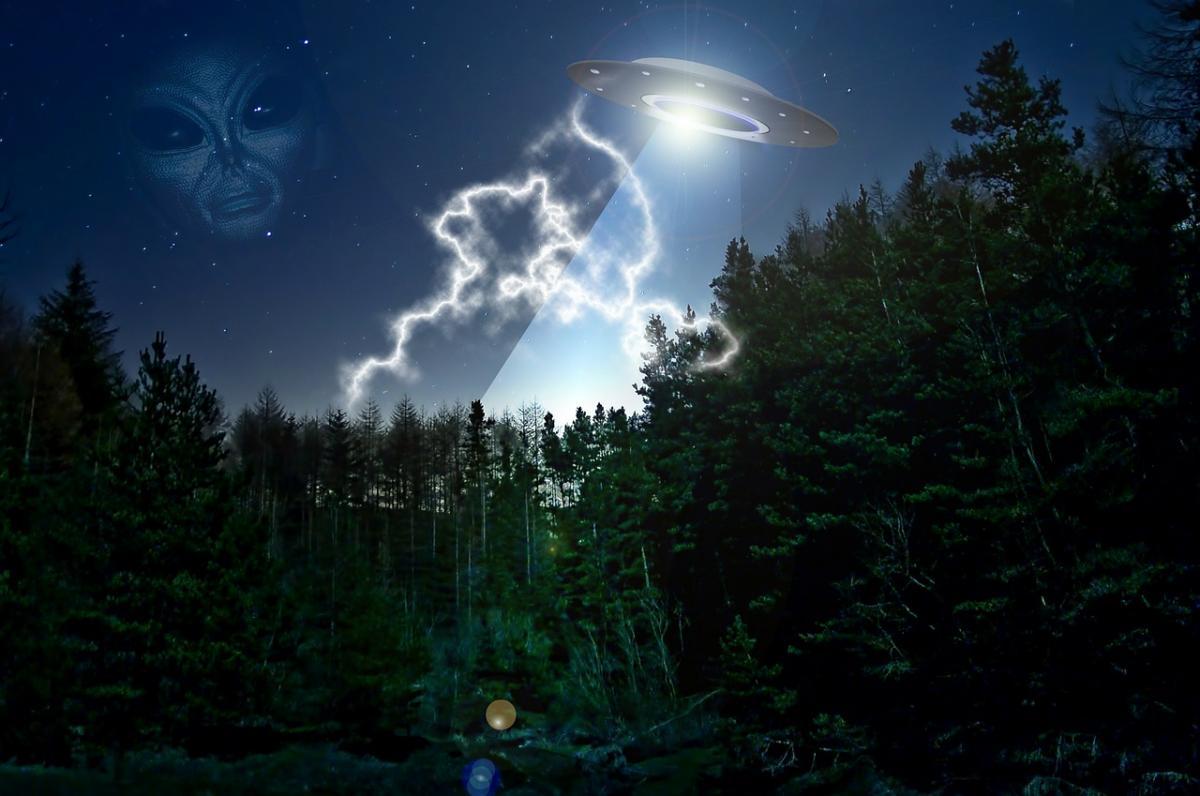 Исчезновение НЛО с яркими огнями сняли над Техасом
