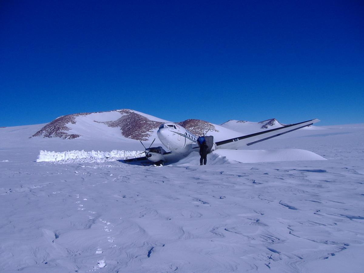В Антарктиде проведена экстренная эвакуация, причиной послужил инцидент с военными