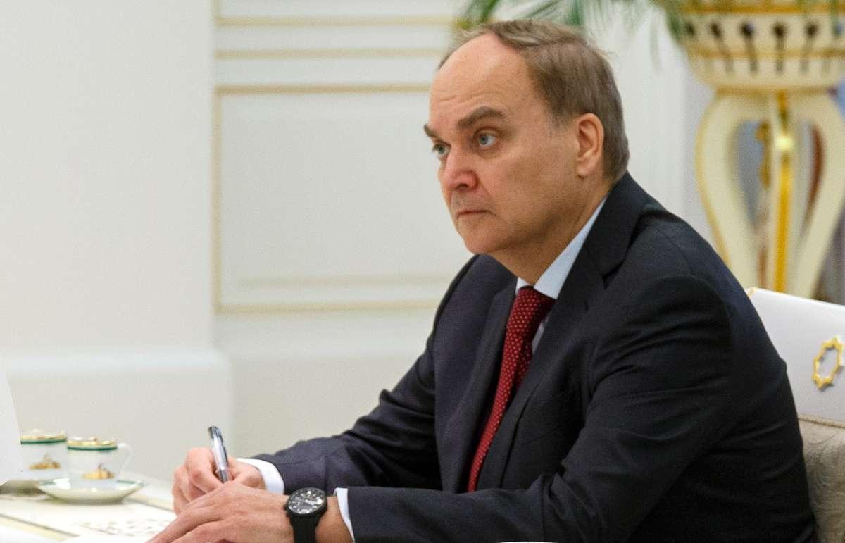 Антонов сообщил, что от России последует ответ в случае размещения США ракет в Европе