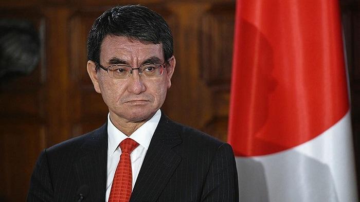 Японский министр четырежды проигнорировал вопрос о мире с Россией