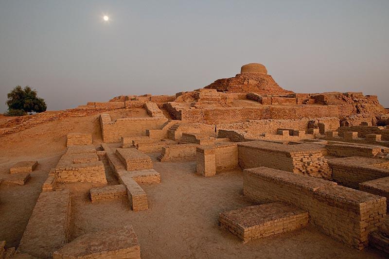 В Казахстане обнаружили самую первую в мире пирамиду