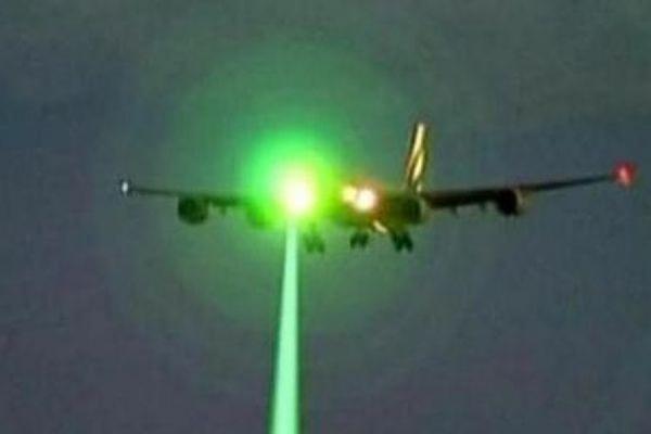 Американские пилоты пассажирского самолета вступили в контакт с НЛО на целых 10 минут
