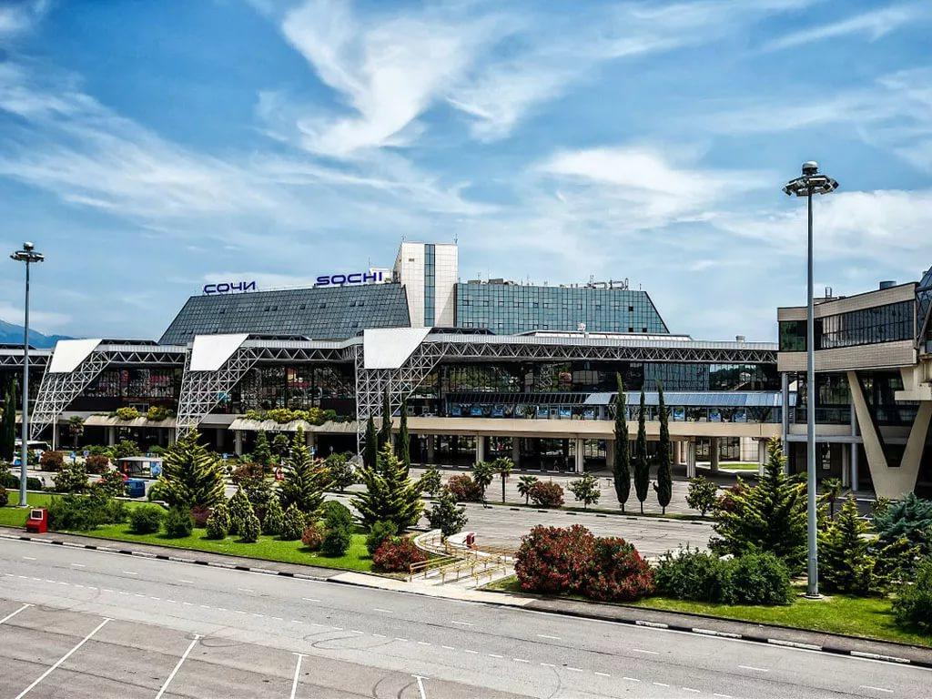 Аэропорт Сочи вернулся к работе в обычном режиме