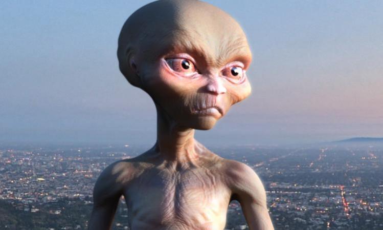«Труп повесившегося» инопланетянина не дает прохода жителям Таганрога