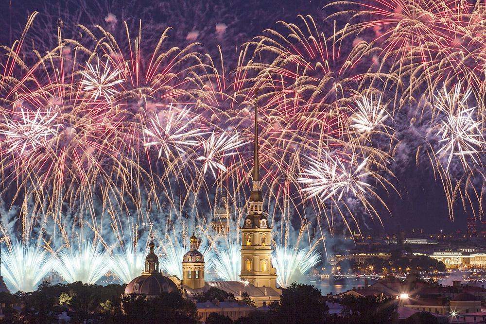 Салют 9 Мая 2019 в Санкт Петербурге в День Победы: где состоится, время проведения