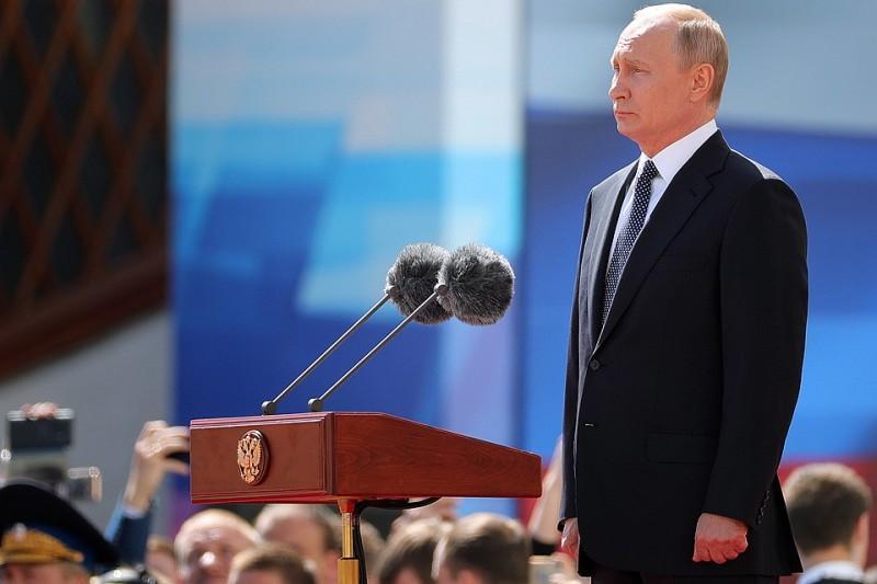 Увиденное на Красной площади в Москве 9 Мая поразило западные СМИ