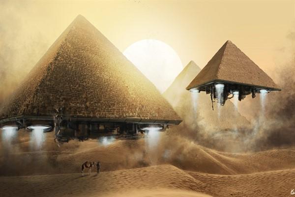 НЛО  исследует пирамиды в Египте