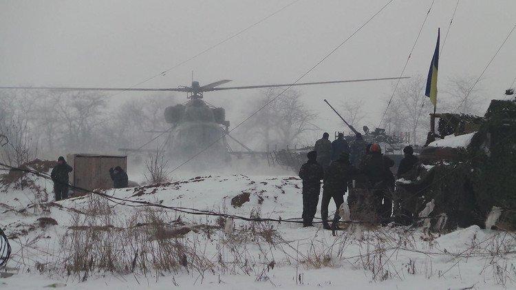 Обострение ситуации в Донбассе: Порошенко срочно вернулся из Берлина, режим ЧП в Авдеевке, чрезвычайное совещание