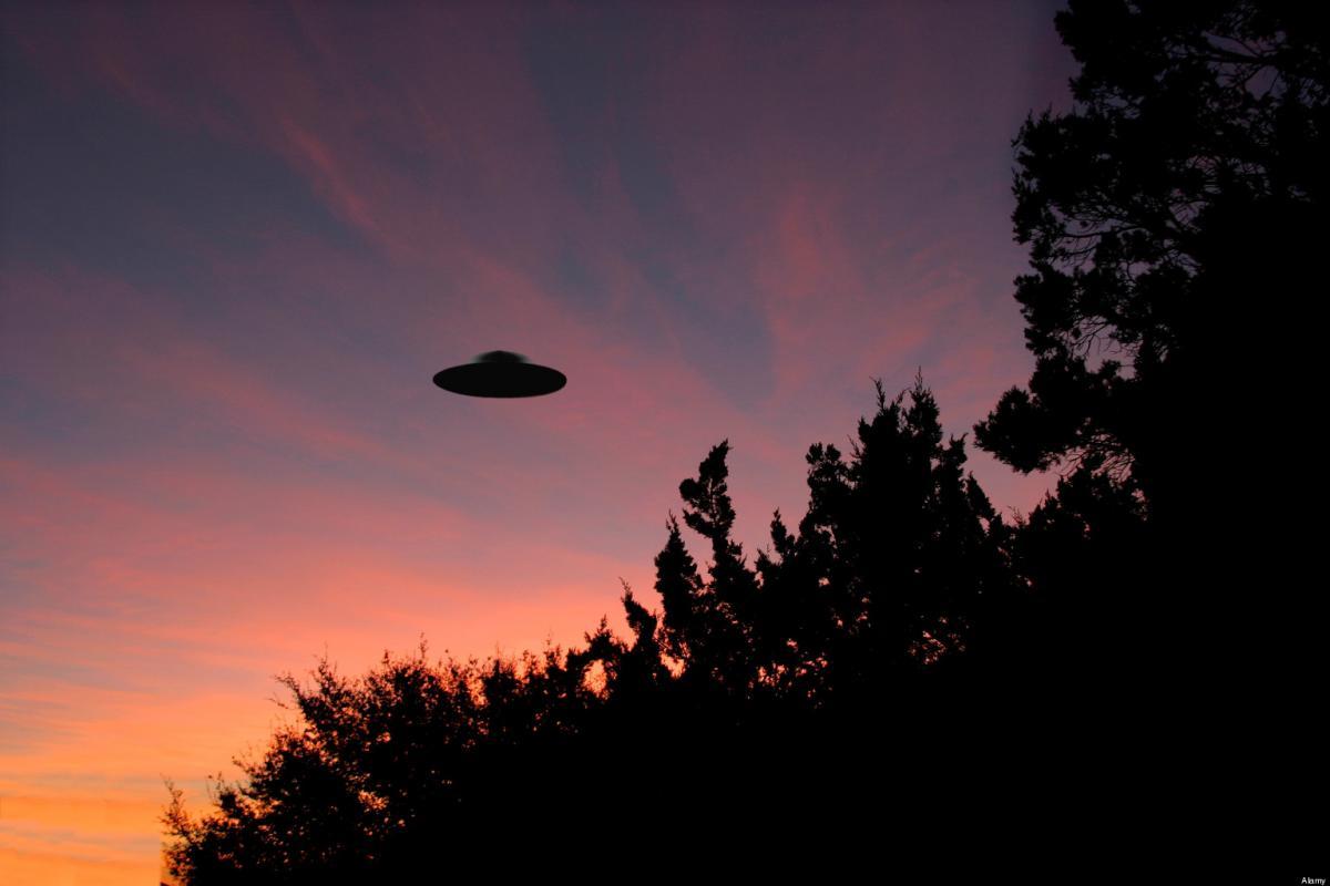 Жители Кубани заметили зависший в ночном небе корабль инопланетян