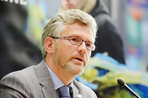 Киев пригрозил России «гамбургскими» санкциями из-за моряков