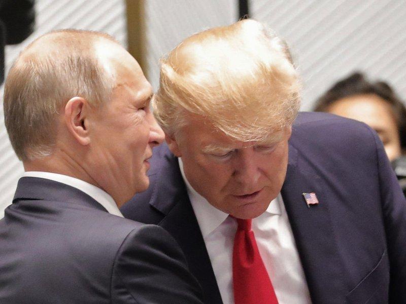 Стали известны вероятные дата и место встречи Владимира Путина и Дональда Трампа