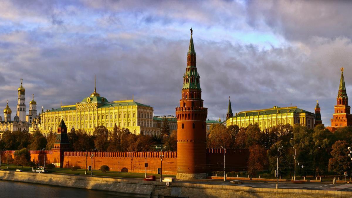 Жителям Москвы и области пообещали летнее тепло на следующей неделе