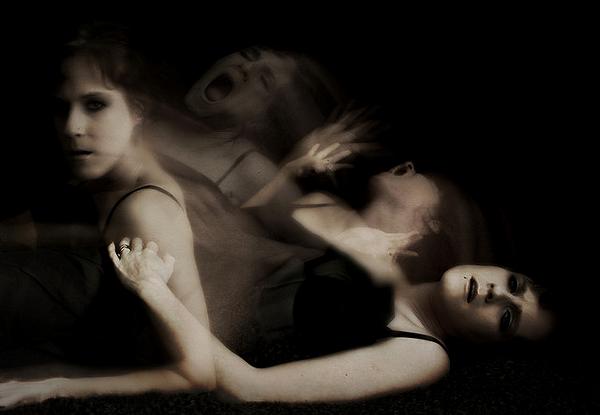 Душа покинула тело умершей женщины