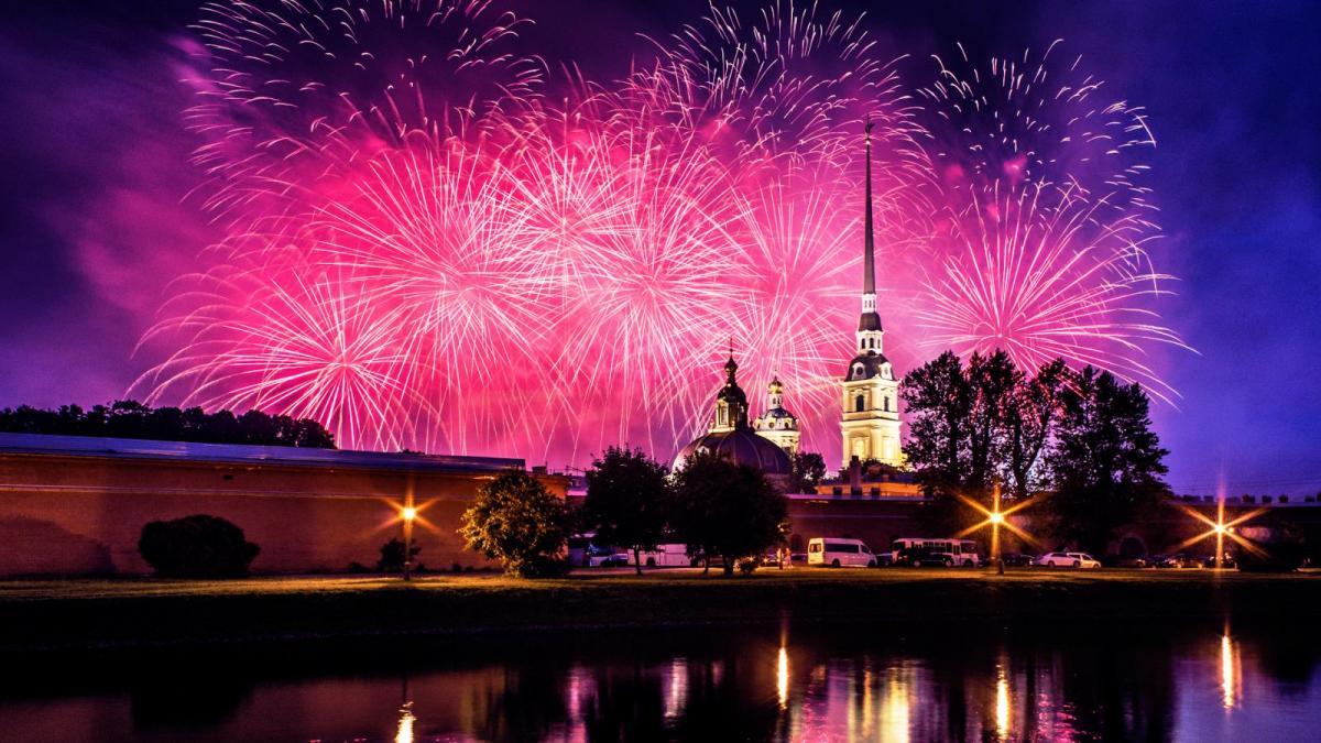 Салют 12 июня 2018 в Санкт-Петербурге в День России: где состоится - время, место проведения