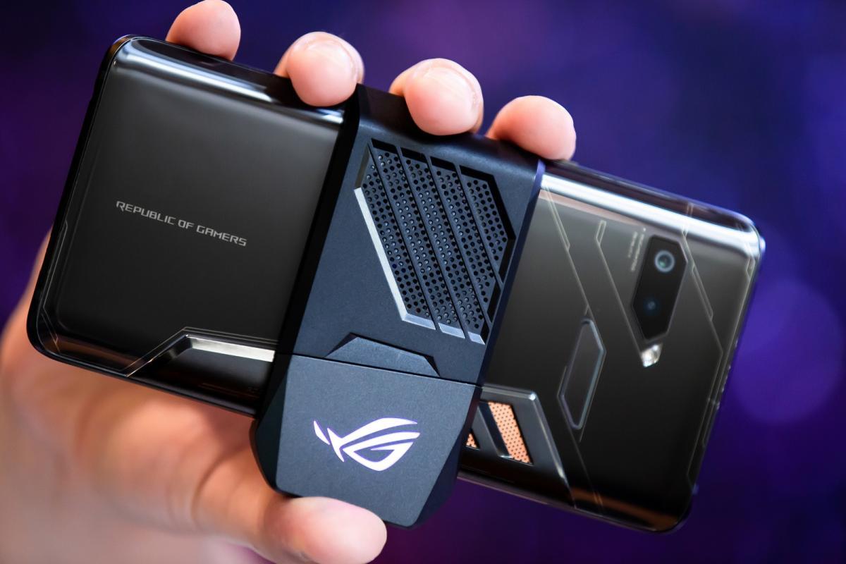 Самый мощный в мире смартфон пришел в Россию, озвучена его цена