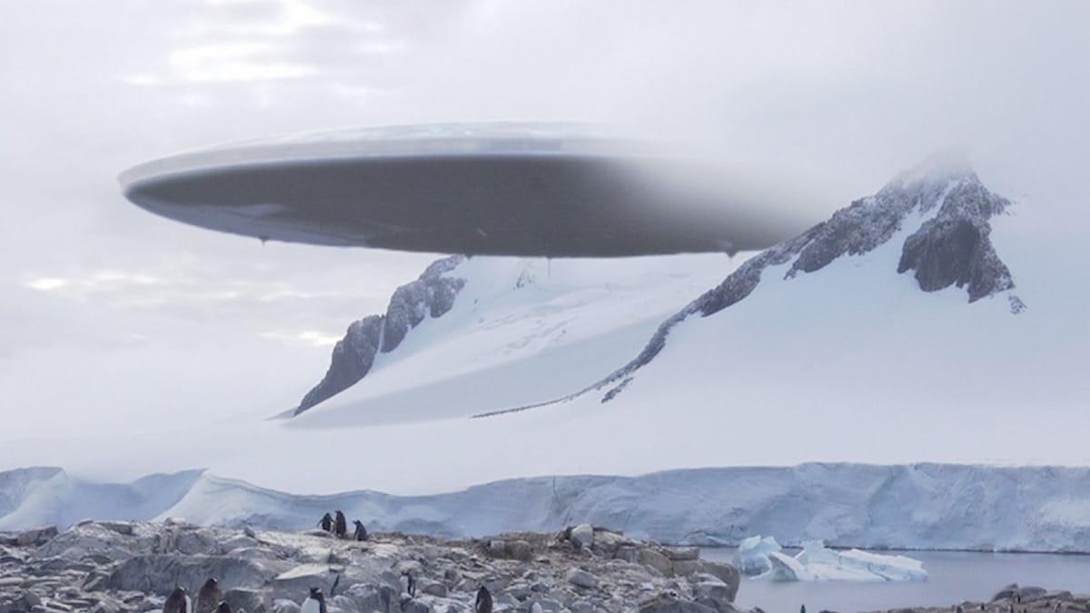 В Антарктиде происходят странные вещи: зловещие существа срочно эвакуируются, есть причина – уфологи