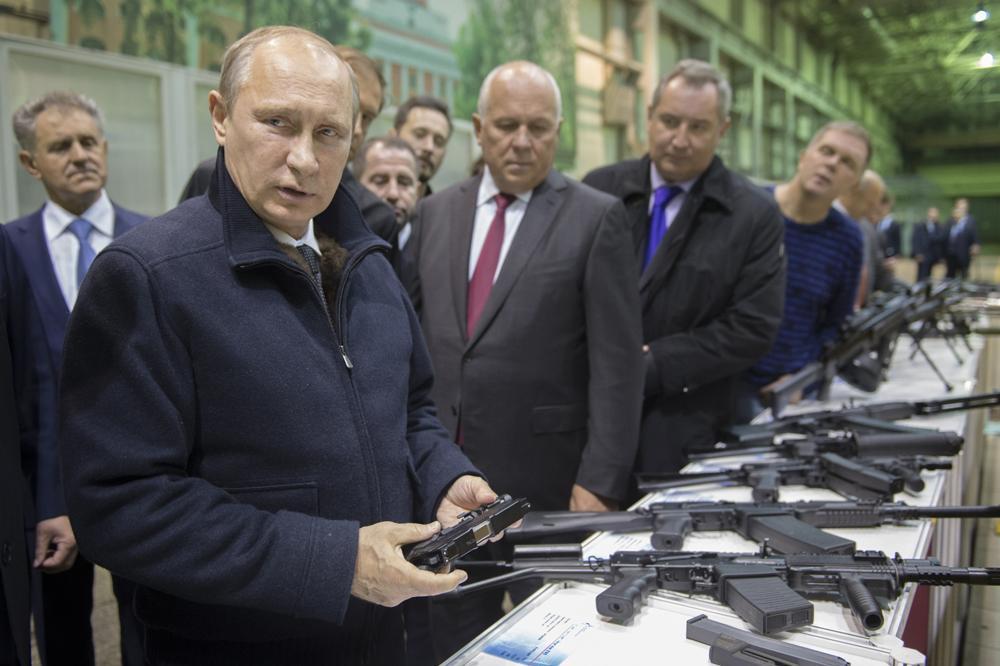 Россия вышла на второе место в мире по экспорту оружия