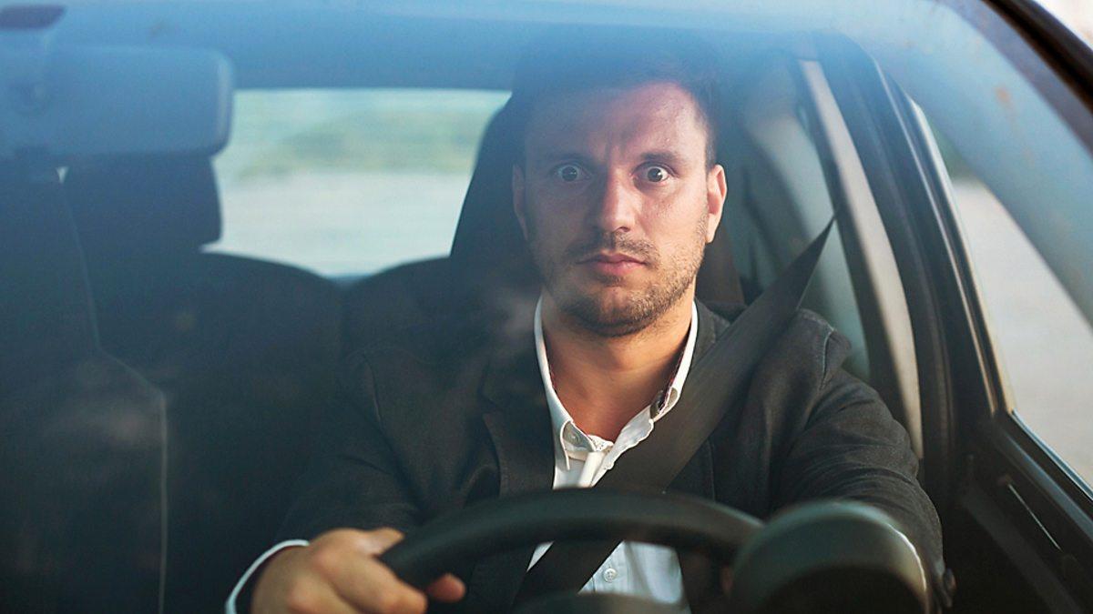 Названы 4 основных страха автомобилистов на дороге