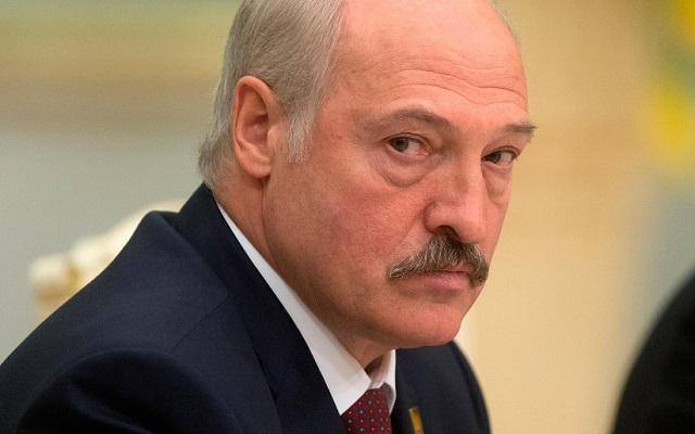 Лукашенко намерен найти замену российской нефти