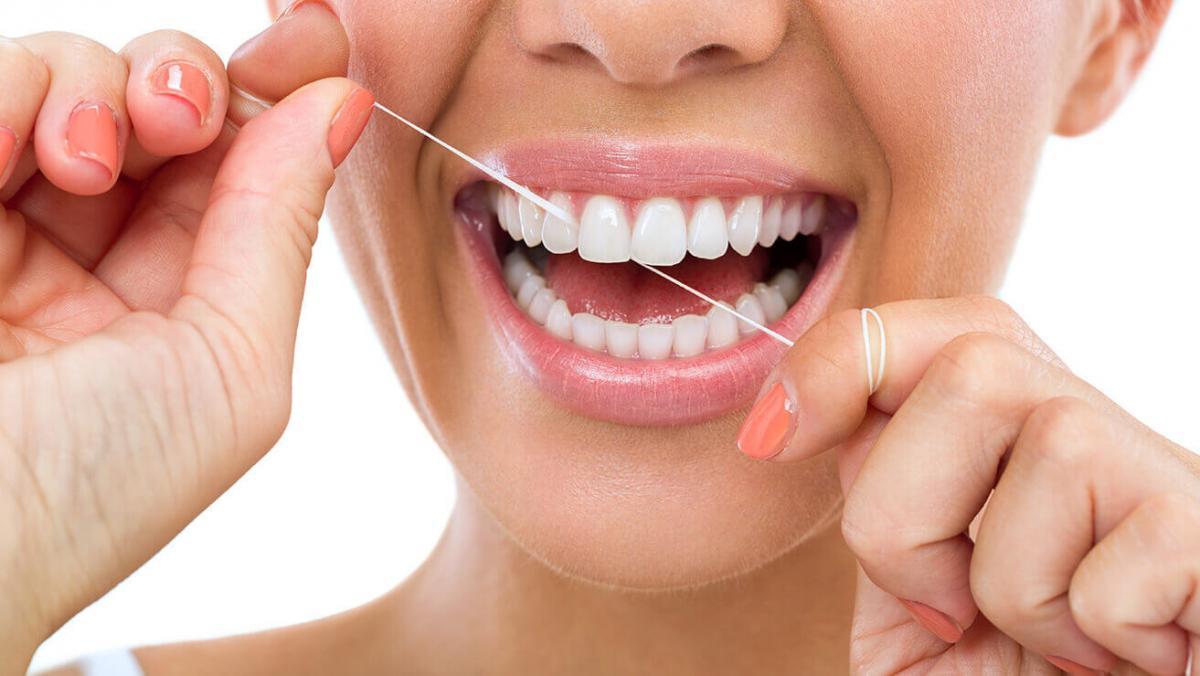 Зубная нить может быть опасна, заявили ученые