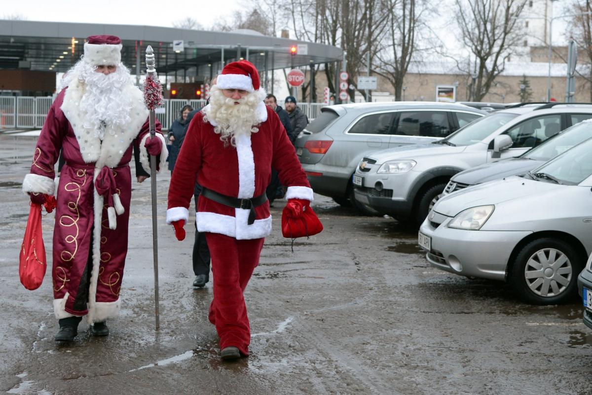 Санта Клаус и Дед Мороз, сходство и различие праздничных героев