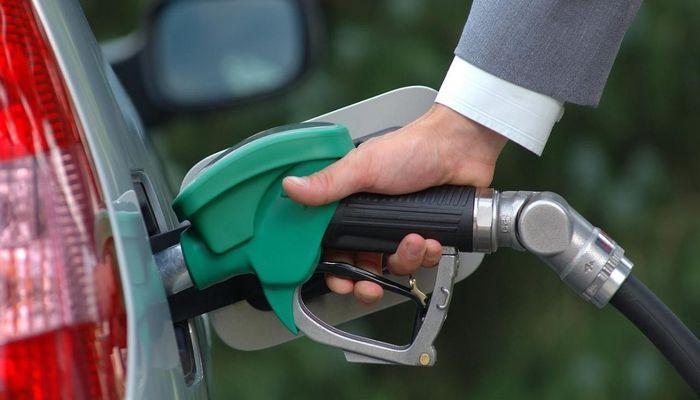 В России АЗС могут начать продавать бензин по пол-литра