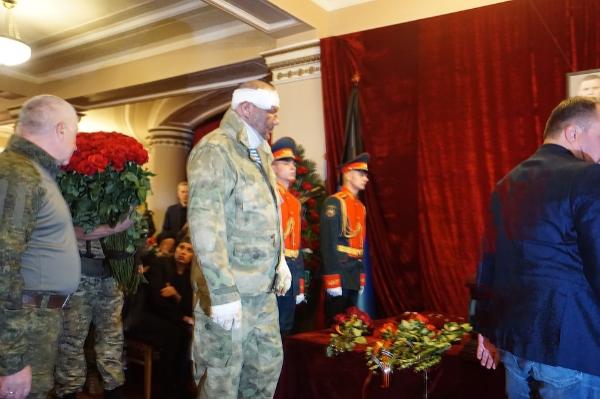 Александр Тимофеев на похоронах Захарченко