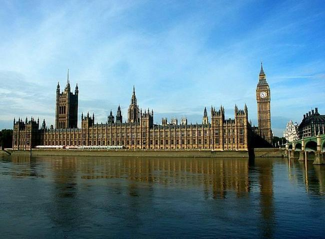 """В британском парламенте взволнованы """"словесной войной"""" против России"""