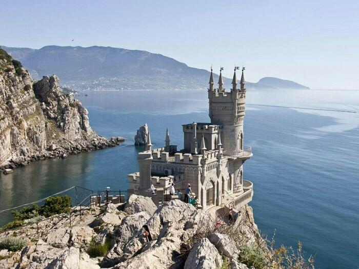 Россия вынуждена была оккупировать Крым, в связи с угрозой американского вторжения