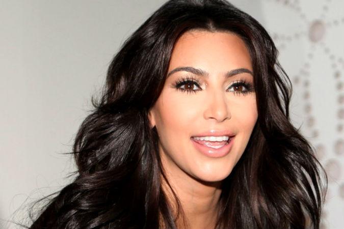 Ким Кардашьян отправилась на светскую вечеринку в прозрачном наряде и без трусов