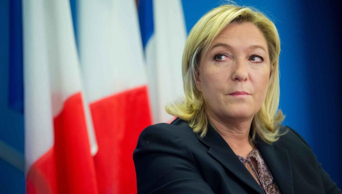 Партия Ле Пен лидирует на выборах в Европарламент