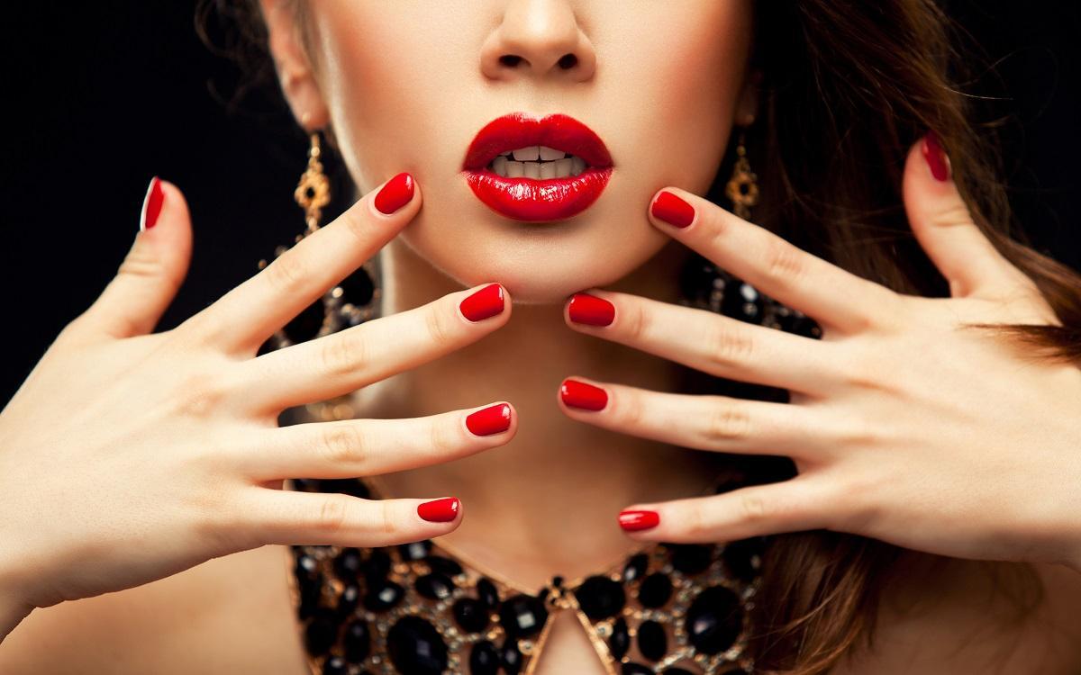Цвет лака для ногтей раскроет характер женщины, считают эксперты