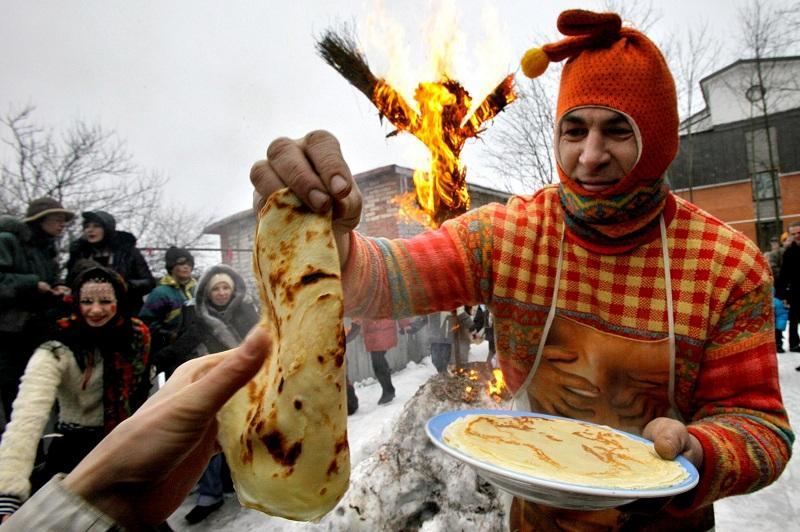 Роспотребнадзор рассказал россиянам, как приготовить правильные и вкусные блины на Масленицу