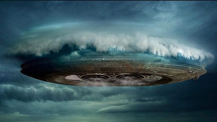 Шокирующие кадры из Перу: НЛО следил за землянами, замаскировавшись в облаках