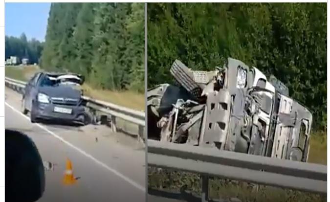 Под Пермью в ДТП «фура» раздавила легковушку – 4 погибших