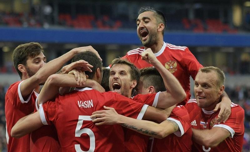Сборная России по футболу рекордно поднялась в рейтинге ФИФА