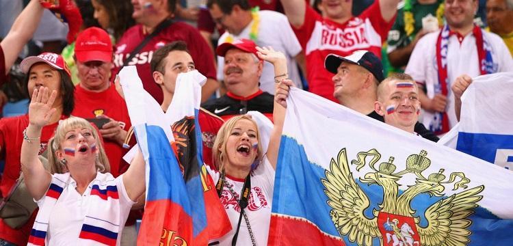 """В США посмеялись над """"угрюмыми россиянами"""", которых заставили улыбаться на ЧМ-2018"""